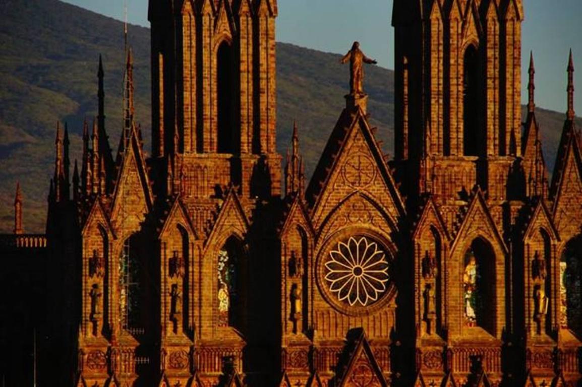 fachada del santuario